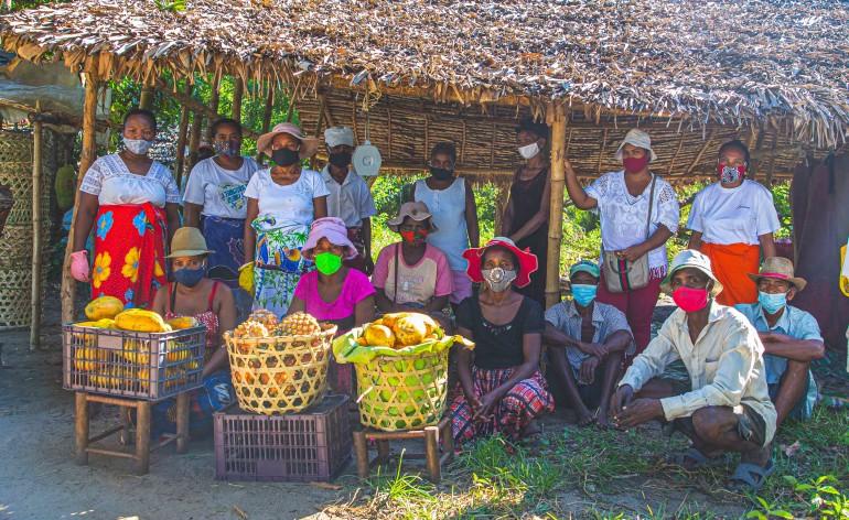 Des membres de la coopérative Fanoitra, parmi les fournisseurs d'Ambatovy en fruits et legumes