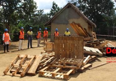 Une livraison de bois usagés pour la FIMIAM
