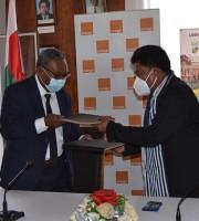 ORANGE SOLIDARITE MADAGASCAR - fametrahana ny FabLab Solidaire eny Ankatso